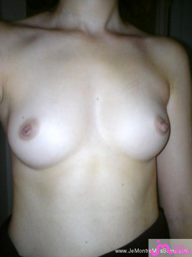 Photo des seins de Lina