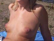Photos des seins de Nini31, vivement l'été
