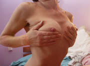 Photos des seins de Slampi, des petits seins de mature