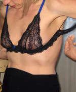 Photos des seins de Adeline, Bonjour