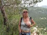 Photos des seins de Claudie, Randonnée