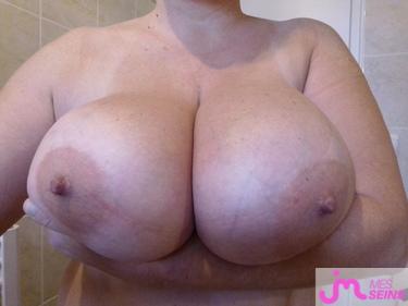 Photos des seins de Dexter7374, elle