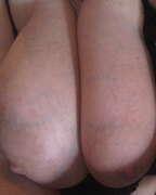 Photos des seins de Ninini, toujours aussi lourds..