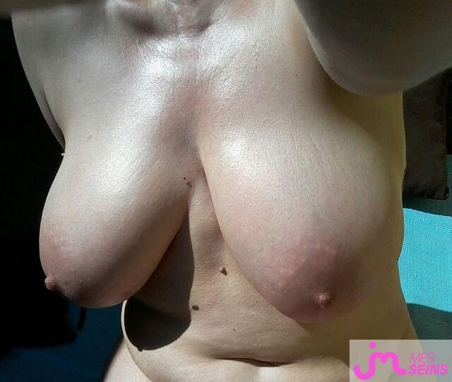 Photo des seins de Andila