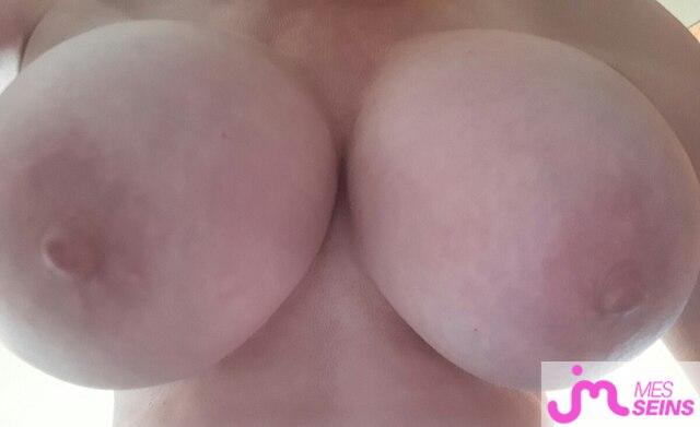 Photo des seins de Leajolie