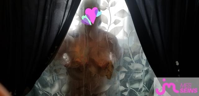 Photo des seins de La belle