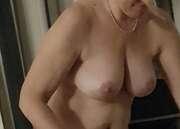 Photos des seins de Niarle, ma femme au réveil